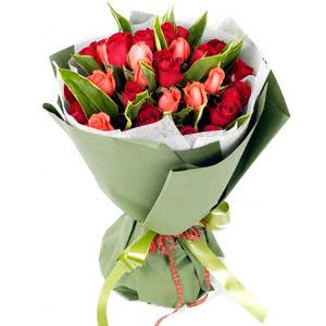 28 Roses Bouquet